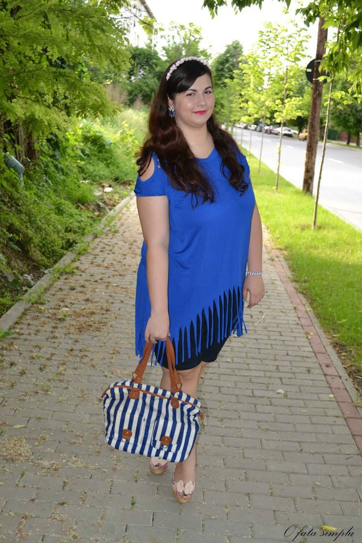 O fata simpla: Blue and flowers #oasap #persunmall #blue #stripes #tassels #flowers http://o-fata-simpla.blogspot.ro/2014/06/blue-and-flowers.html