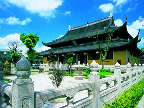 Built in 276, the 2nd year during Xianning reign of the Western Jin Dynasty, most halls and pavilions in the Xuanmiao Taoist Temple are still well preserved.