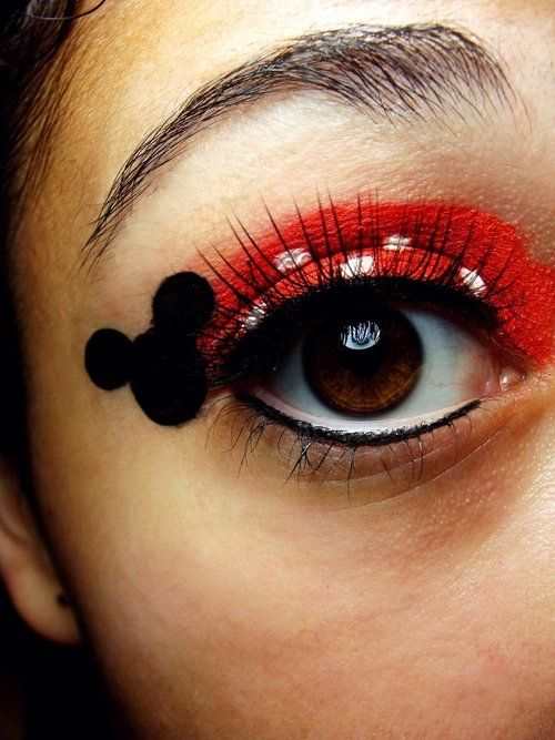 Minnie Mouse eye makeup- adorable!