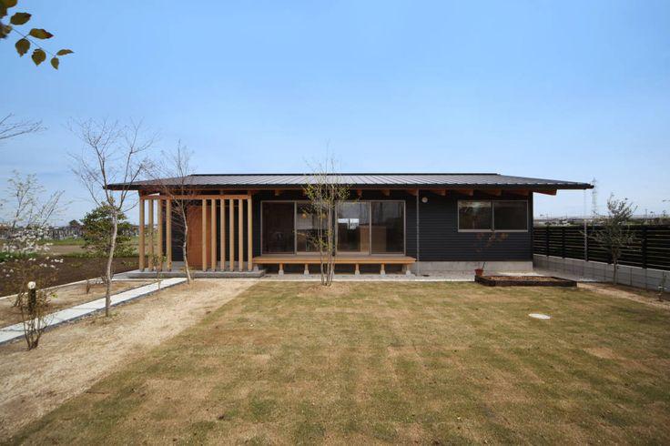 今回提案したいのは、家のスタイルを比較すること。「RC造(鉄筋コンクリート造)」と「木造」を比較したり、「平屋」と「2階…