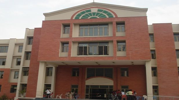 Maharaja Agrasen College is a premier college of the University of Delhi, located in Vasundhara Enclave in the fast developing East Delhi area of the National Capital Region of Delhi.http://mac.du.ac.in/