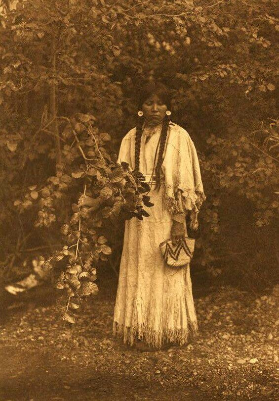 A period photo that reminds me of Sun Smile, a character in IN A RENEGADE'S EMBRACE.