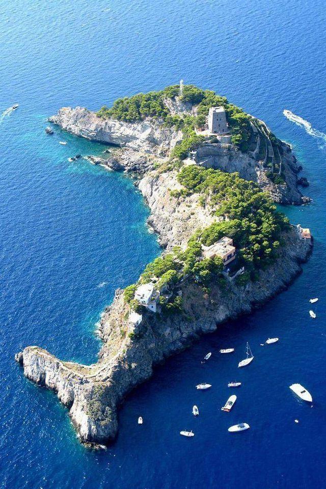 The Dolphin Island, Li Galli Islands, in Italy ~ A Delfin-sziget, Li Galli-szigetek, Olaszországban
