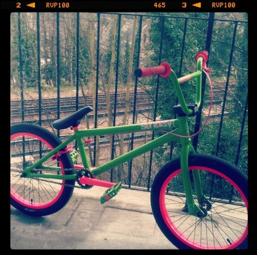 BMX Bike Sunday Watermelon Aaron Ross Pro 2011 Limited Edition