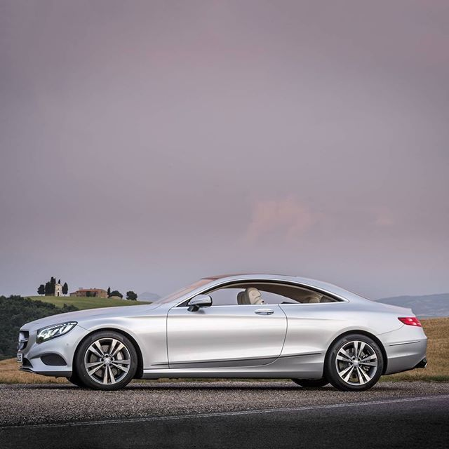 Mercedes-Benz S550 Coupe (by: mbusa ) [S 550  Fuel consumption combined: 11,3 (l/100 km)   CO2 emission combined: 264 g/km   https://www.mercedes-benz.com/de/mercedes-benz/external/rechtliche-hinweise/ ]