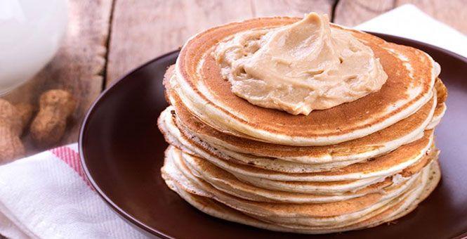 Aprenda a fazer 10 receitas panquecas proteicas com Whey Protein, peito de frango e outros recheios super nutritivos e saborosos.
