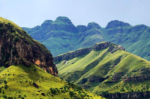 Drakensberg Mountains aka 'dragons mountains' in its majestic beauty, Kwazulu Natal, South Africa