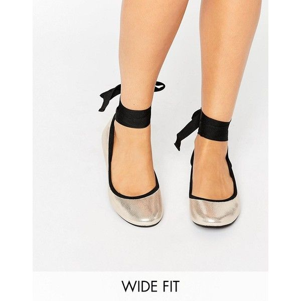 New Look Wide Fit Tie Up Ballet Pump ($22) ❤ liked on Polyvore featuring shoes, flats, gold, slip on flats, ballet pumps, t-strap flats, ballerina flat shoes and metallic ballet flats