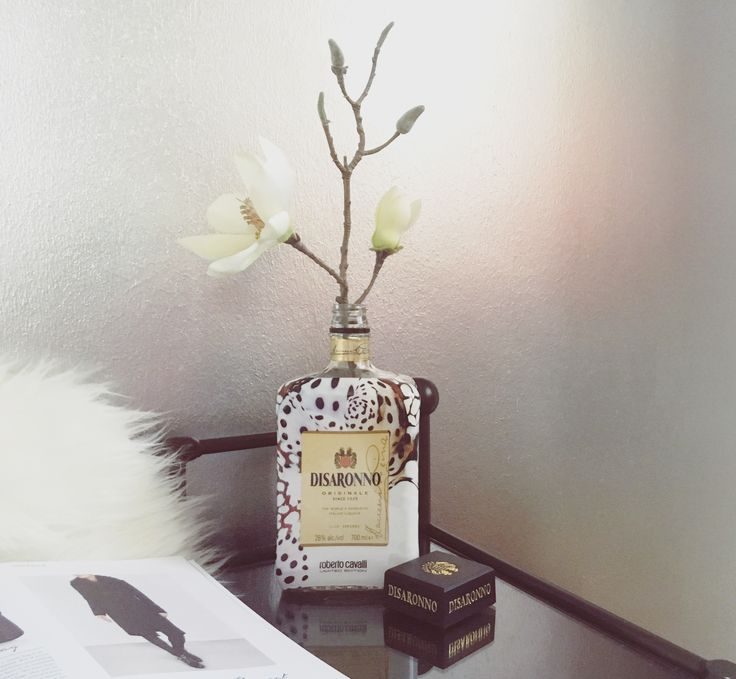 Flower in Disaronno bottle DIY #disaronnowearscavalli Roberto Cavalli limited edition decoration