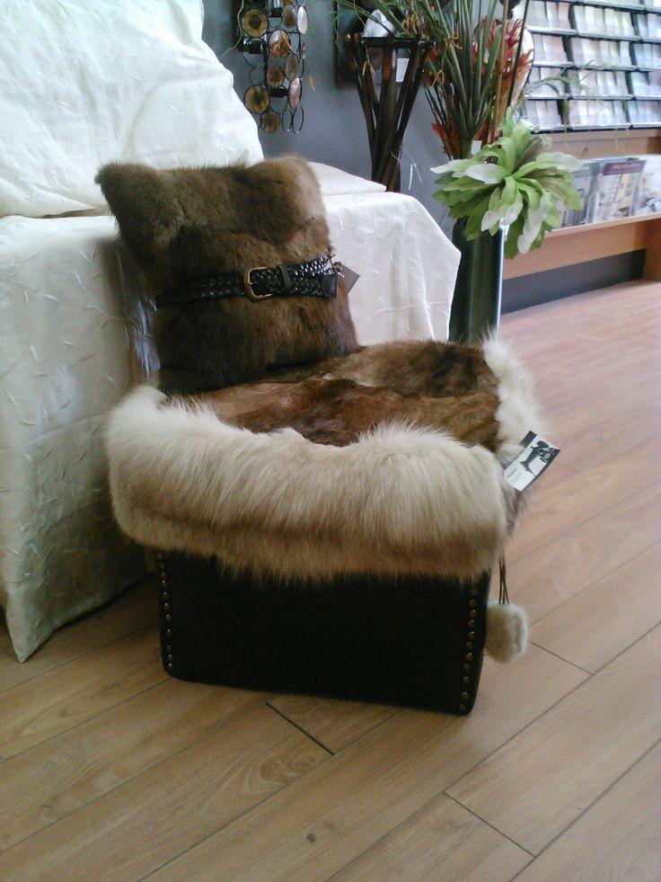 17 best images about fourrure on pinterest snood fur and la mode. Black Bedroom Furniture Sets. Home Design Ideas
