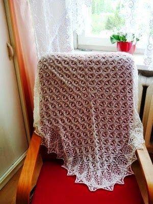 Sklep Zeberka - Twoje włóczki: chusta z EriciPani Ewa przysłała zdjęcie chusty wykonanej z  1 motka włóczki Erica ze Sklepu Zeberka. Prawda, że śliczna?