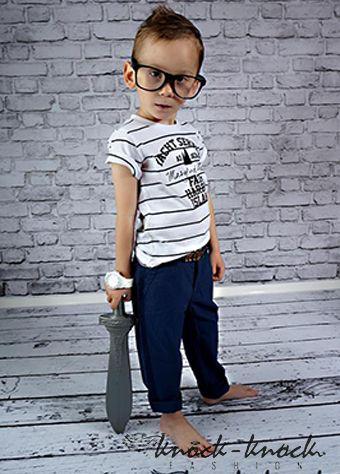 t-shirt z krótkim rękawem w granatowe paski, modny marynarski styl. Do kupienia na:  mail: knocknock.fashion@gmail.com fb: https://www.facebook.com/pages/knock-knock-fashion/230430617163127?ref=hl instagram: http://instagram.com/knock_knockfashion#