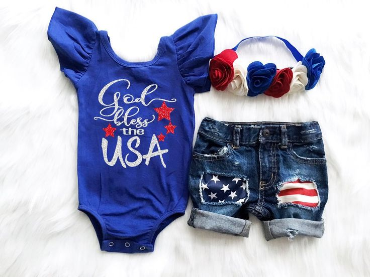 God Bless the USA outfit! PERFECT for any Baby Girl's 4th of July! PRODUCTION TIME: Please note that these are currently running on a 3-4 week production time.
