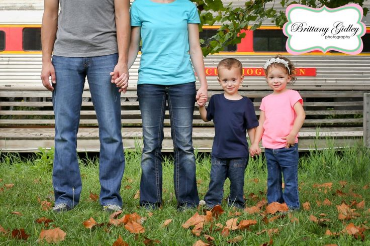 Train | Family Pictures | Cuyahoga Valley Scenic Railroad Session