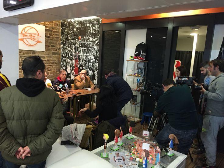 Rueda de prensa de Moncho Fernandez, entrenador del Tio Natura Monbus Obradoiro en Tiro Libre Scq