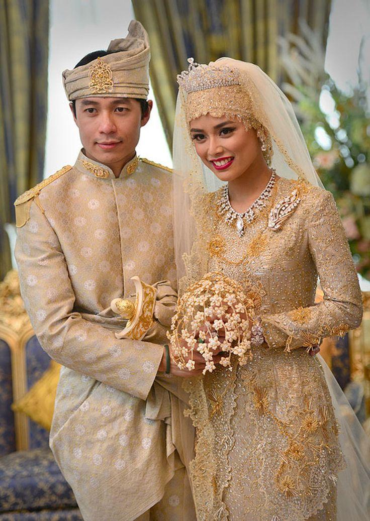 Свадьбы 2012 года: роскошные наряды и необычные церемонии : Джессика Бил и…