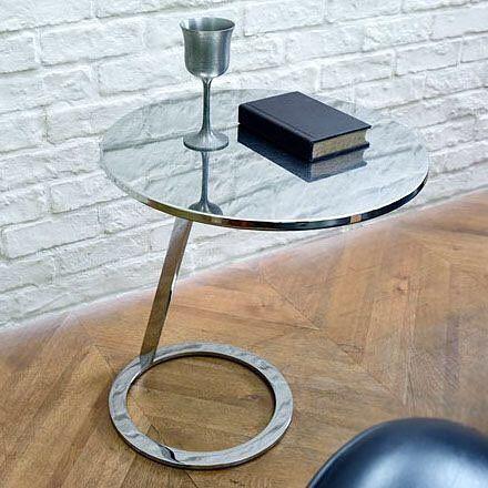Ligne Roset(リーンロゼ)によるAlban Gilles(アルバンジル)デザイン GOOD MORNING サイドテーブルです斜めの脚で繋がったラウンドトップとラウンドベースアンバランスさが心地よい緊張感とユニークな存在感を生み出す遊び心いっぱいのコーヒーテーブルこの商品はプロフィールに記載のURLからご購入いただけます    #目黒通り #都島本通り #インテリア #rocca #六家道具商店 #izuya #interior #furniture #vintagefuniture #antiqfurniture #雑貨 #家具 #ヴィンテージ家具 #アンティーク家具 #家具修理 ##ligneroset #リーンロゼ #アルバンジル #サイドテーブル #コーヒーテーブル #リビング #
