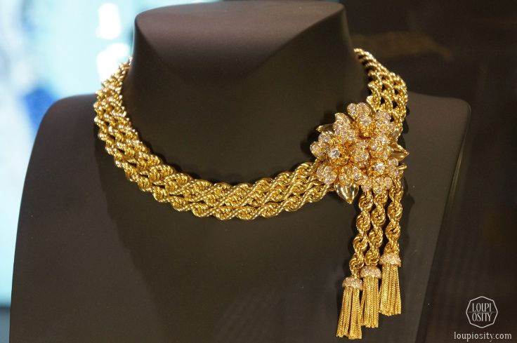 Gold Necklace Fashion