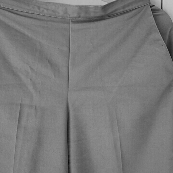 Petite Women's Dress Pants 58% Cotton 40% Polyester 2% Spandex These are great they slip on and are gathered in the back. Alfred Dunner Pants Trousers