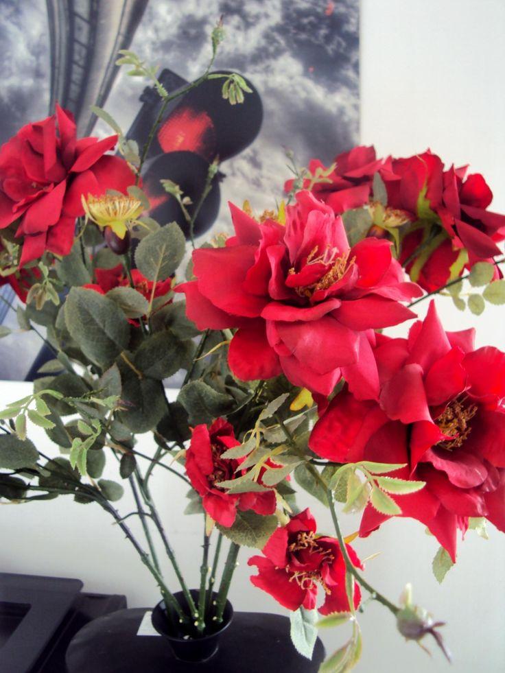 Art floral d coration compositions florales for Roses artificielles