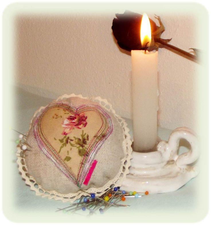 Z babiččiny truhly... Jehelníček ♥ needle case Nadeletui