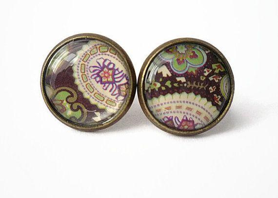 Flower pattern tiny stud earrings flower post earrings by treasurecreator