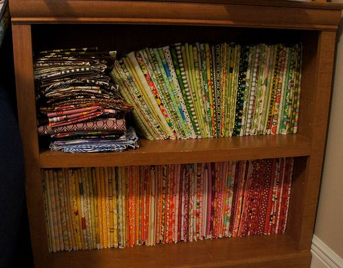 Excellent Tutorial For Folding Fabric Around Comic Boards; This keeps everything Tidy and Easy to See, rather than piled up. Just like a Fabric Store!  Directions for Fat Quarters also.  Info on the Boards included.