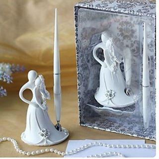 """Dagaanbieding: romantische pennenset 'Weddingcouple"""", verpakt in een luxe doos met doorzichtige deksel.  Alleen vandaag van 12,95 voor 5,- euro!  Op=op!  Zie: www.trouwen-online-shop.nl (link in bio)  Afhalen in de showroom kan ook. Bel even 010 2600742 of mail info@trouwen-online-shop.nl om een afspraak te maken.  #pen #pennenset #bruidspaar #bruidspaar #bride #aanbieding #dagaanbieding #justmarried #korting #bruid #bruidegom #bride #groom #wedding #heiraten #mariage…"""