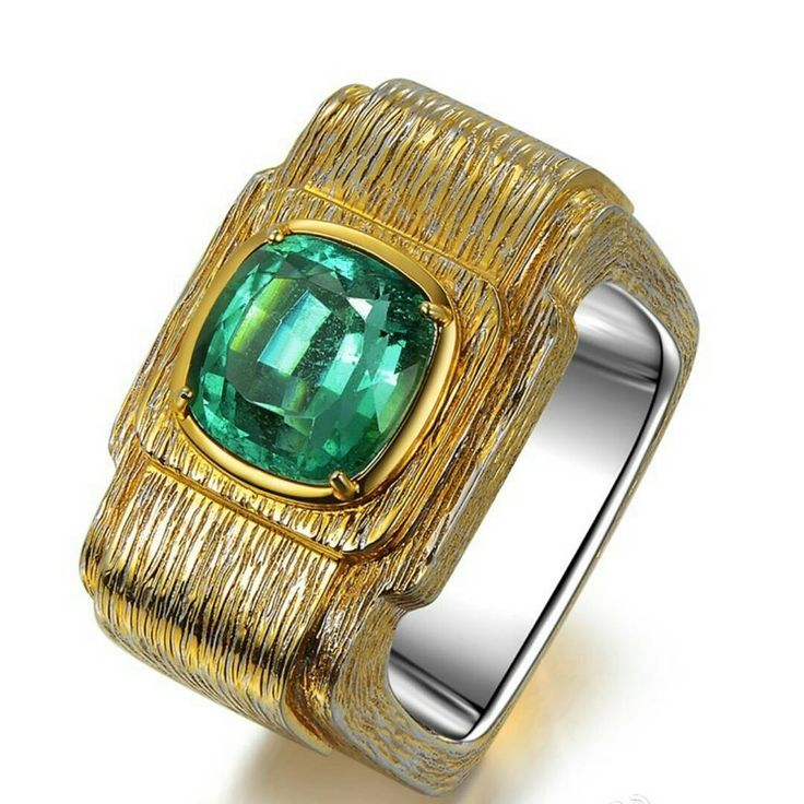 Check out the Colombia insignificant 3.26 kt emerald ring, with European craftsmanship . #ring #ringporn #emerald #jewelry #designerjewelry #lacfinejewellery #goldsmith #designer #jewellery #ilovejewelry #art #artwork #luxuryring #luxuryjewelry #instaluxury #instajewellery #instadaily #instalike #jewelrylovers