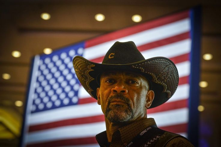 Count Sheriff David Clarke is calling out the blatant hypocrisy of those demanding Roy Moore immediately end his senate candidacy. Many, including two Republican presidential nominees preceding President Donald Trump, Arizona Sen. John McCain and former Massachusetts Gov. Mitt Romney, have called on Moore to step aside whether or not he is guilty of sexual …