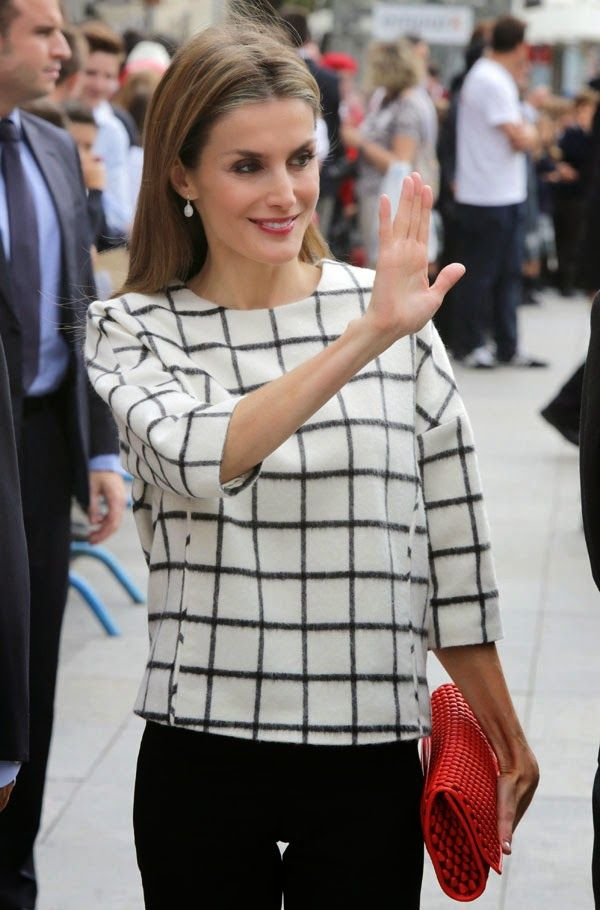 MyRoyals:  Queen Letizia attended Dia de la Banderita, Red Cross Fundraising Day, Madrid, October 8, 2014