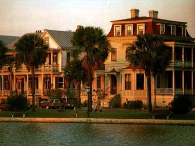 Charleston, South Carolina Hotels and Charleston, South Carolina City Guide - Hotel Reservations, Restaurants, Maps, Weather and Transport Information