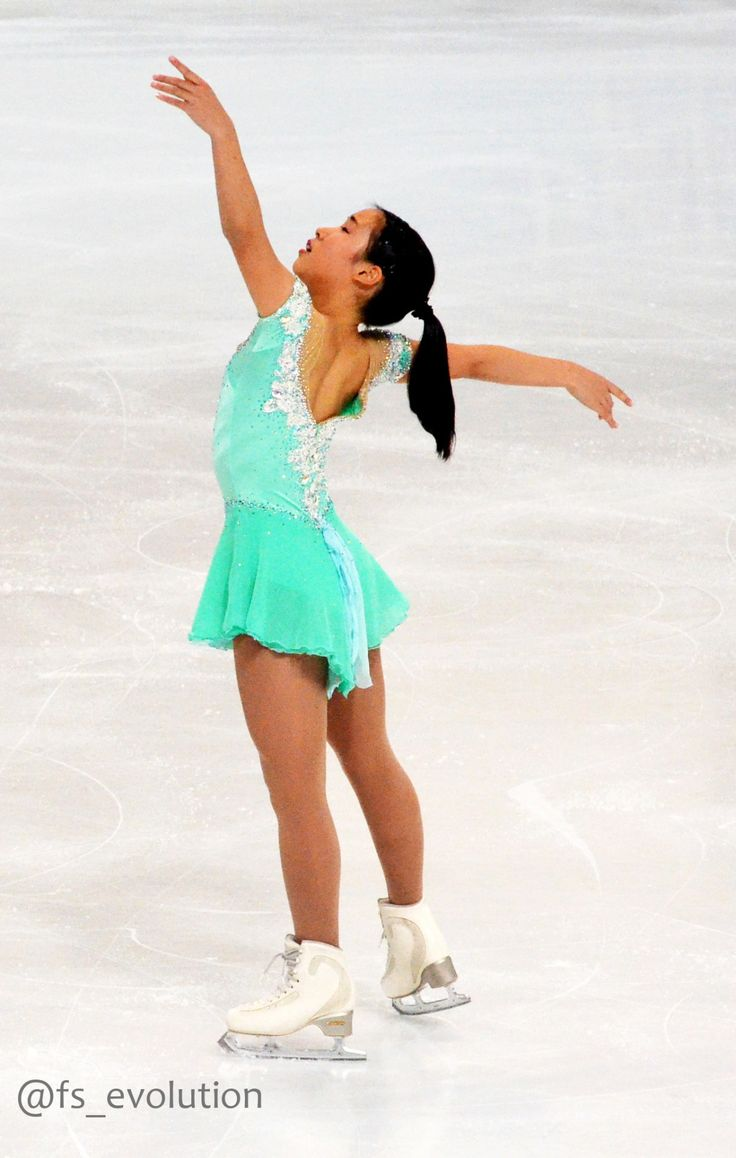 Mai Mihara skating to Cinderella for her free program at the 2016 Skate America and 2016 Nebelhorn Trophy. (Sources: zimbio and fs_evolution)