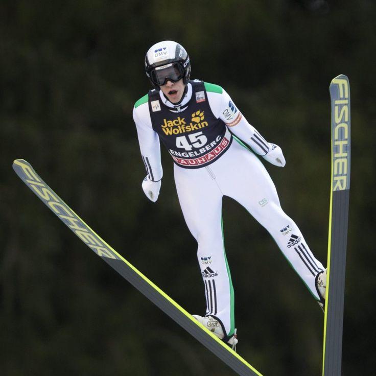 Obiecujący pierwszy skok Żyły, fatalny drugi. Koudelka zabrał gospodarzowi wygraną. http://sport.tvn24.pl/sporty-zimowe,130/ps-w-skokach-roman-koudelka-wygral-w-engelbergu-piotr-zyla-na-15-miejscu,500464.html
