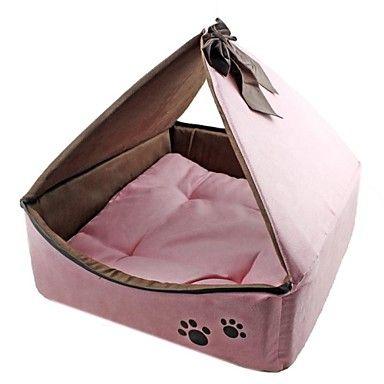¡Qué ternura de cama para perro! ¿A qué no has visto una igual? Esta preciosa cama fabricada en algodón y forro polar es ideal para la llegada del invierno y especial para cachorros, gracias a que ...