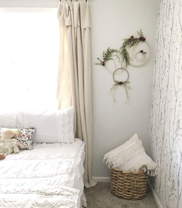 Best 25+ Simple Girls Bedroom Ideas On Pinterest