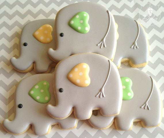 One Dozen 12 Baby Elephant Decorated Sugar by DolceDesserts for when @Danielle Lynn has her first child lol