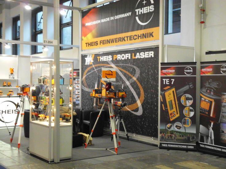 Die Theis Feinwerktechnik präsentierte Ihren neuen Kreuzlinienlaser TCL 8000.