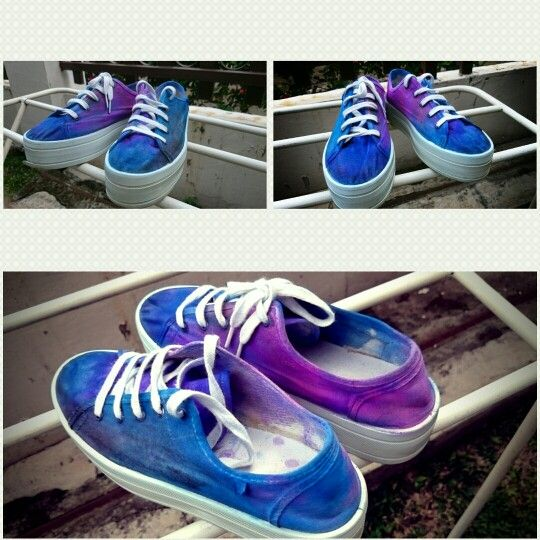 My first DIY, white sneakers painting with galaxy theme..love it