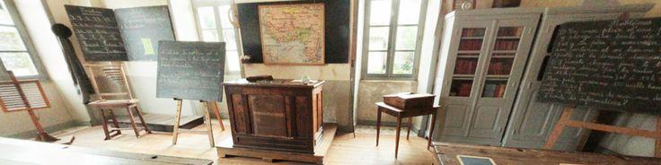 Montrol-Sénard, authentique village limousin : l'école. Ce vrai village limousin évoque la vie rurale du début du XXe siècle dans des lieux authentiques : la maison et son étable, le fournil de la ferme, le lavoir, l'école communale, le toit à cochons et à poules, le bûcher, le grenier, l'atelier du sabotier, l'atelier du cordonnier... Le visiteur peut accéder de mai à octobre à tous les lieux gratuitement. En savoir plus surhttp://www.tourisme-hautevienne.com