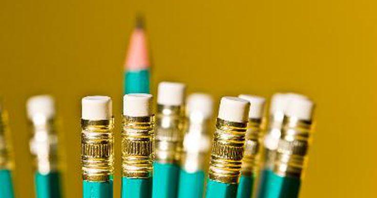 Técnicas de dibujo a lápiz. El dibujo con lápices es una forma de arte que ha existido durante siglos. El bosquejo a lápiz es una de las formas más básicas de expresión artística y suele ser el punto de partida para los artistas principiantes. Algunos van a crear en otros medios, mientras que otros continúan perfeccionando sus habilidades con el lápiz y hacen magníficas ...