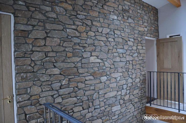Rocks Brons Rustiek - Steenstrips van Nauursteen, beperkte dikte - donkergrijze voeg.