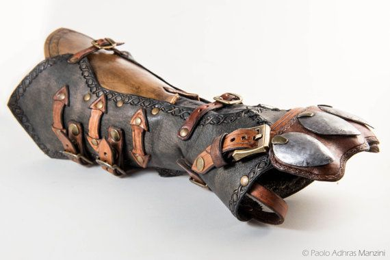 Hey, I found this really awesome Etsy listing at https://www.etsy.com/listing/270604860/jacobs-gauntlet-from-assassins-creed