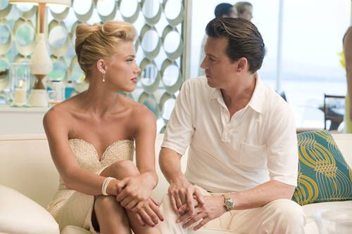 love the obviously gorgeous actors but also white screen behind blog.taraferreira.com/wp-content/uploads/2011/11/rum-diary-amber-heard-johnny-depp.jpg