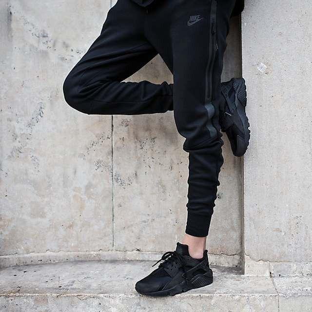 black nike huarache outfit