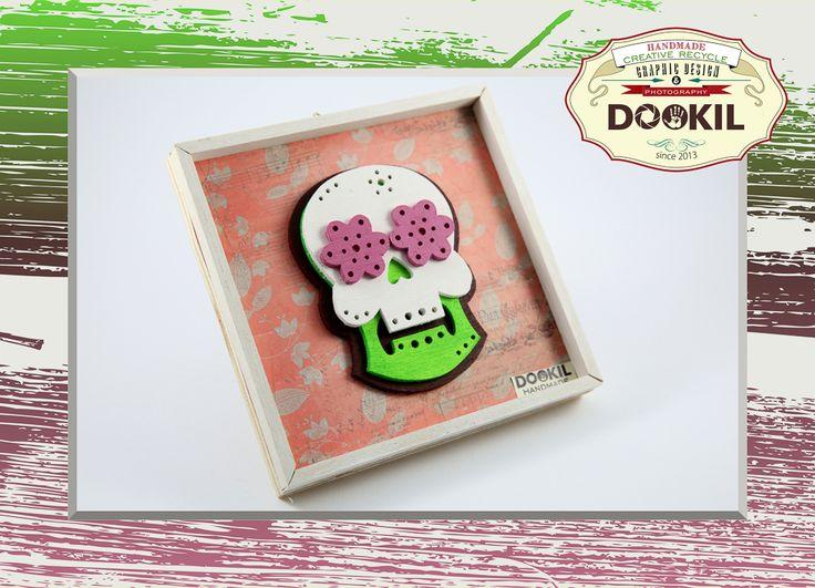 """☠ Quadretto handmade """"Mexican Skulls scrollsaw"""", realizzati con multistrato di pioppo, scarti di legno samba ed abete e texture in carta riciclata. Tutte le decorazioni sono realizzate con impregnanti e colori ecologici a base d'acqua. www.facebook.com/DookilHandmade"""