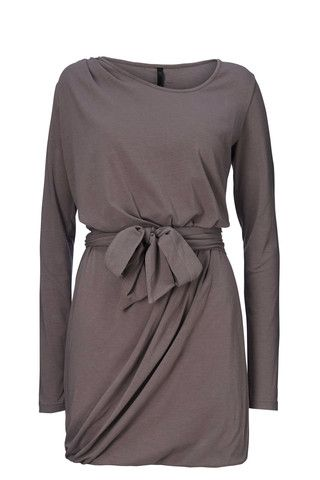EMMYLOU Økologisk jersey kjole med bælte | The Baand