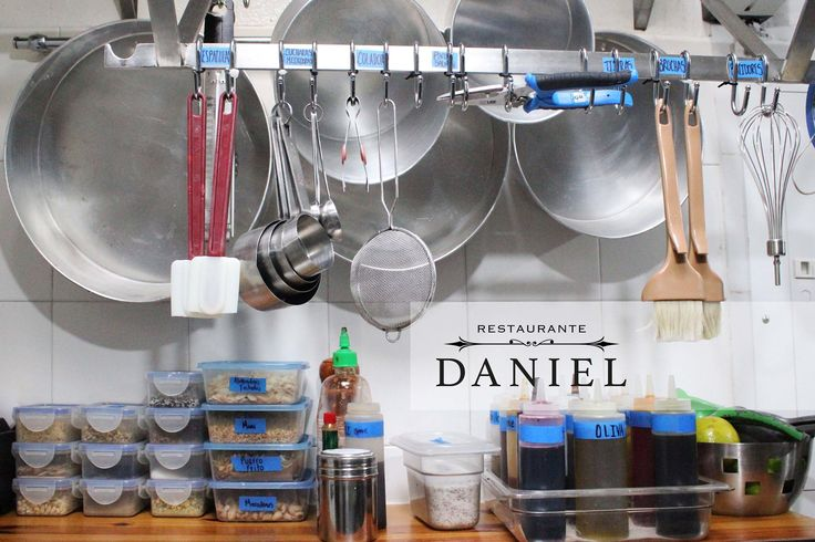 Nuestra cocina lista para empezar semana! Ya nos vemos... www.daniel.com.co/nosotros