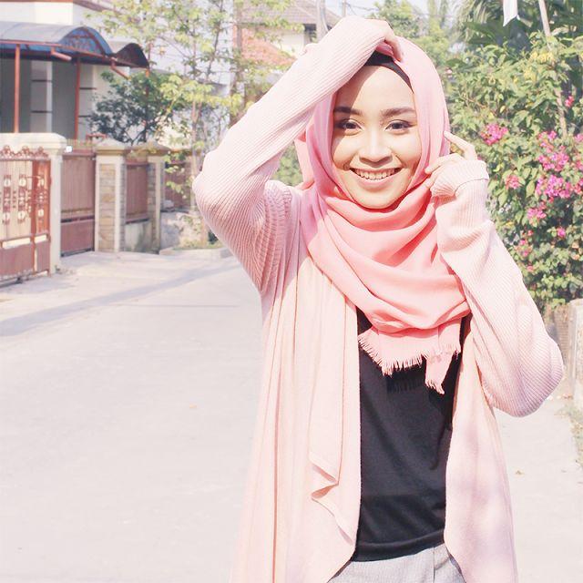 Pink pastel hijab style