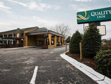 Wilmington (NC) Quality Inn United States, North America Set in a prime location of Wilmington (NC), Quality Inn puts everything the city has to offer just outside your doorstep. The hotel has everything you need for a comfortable stay. Free Wi-Fi in all rooms, 24-hour front desk, car park, BBQ facilities, newspapers are just some of the facilities on offer. Each guestroom is elegantly furnished and equipped with handy amenities. The hotel's peaceful atmosphere extends to its ...